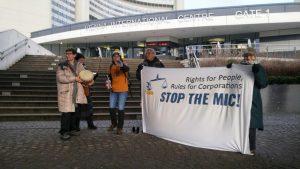 Heute gehen die Verhandlungen zur mehr Rechten für Konzerne statt für Menschen i